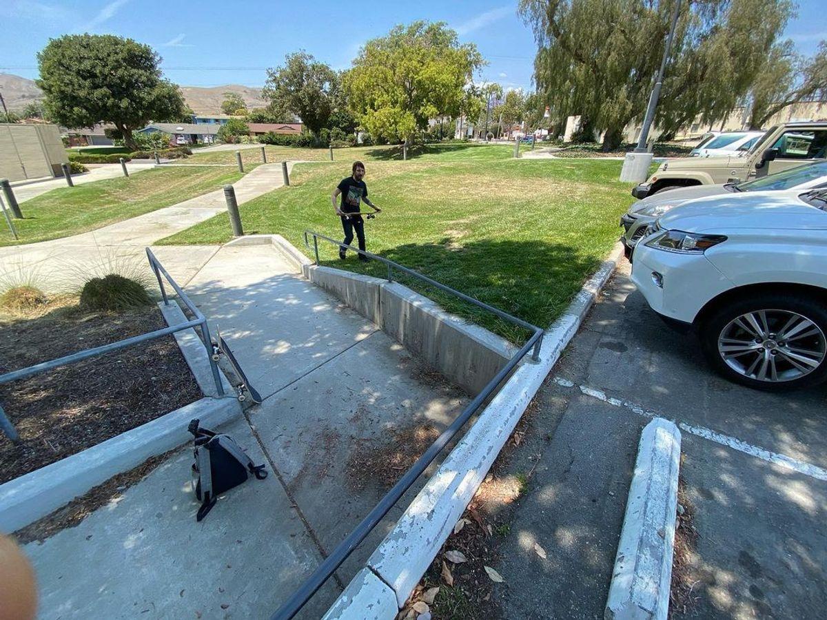 Image for skate spot Ventura College - Handicap Rail