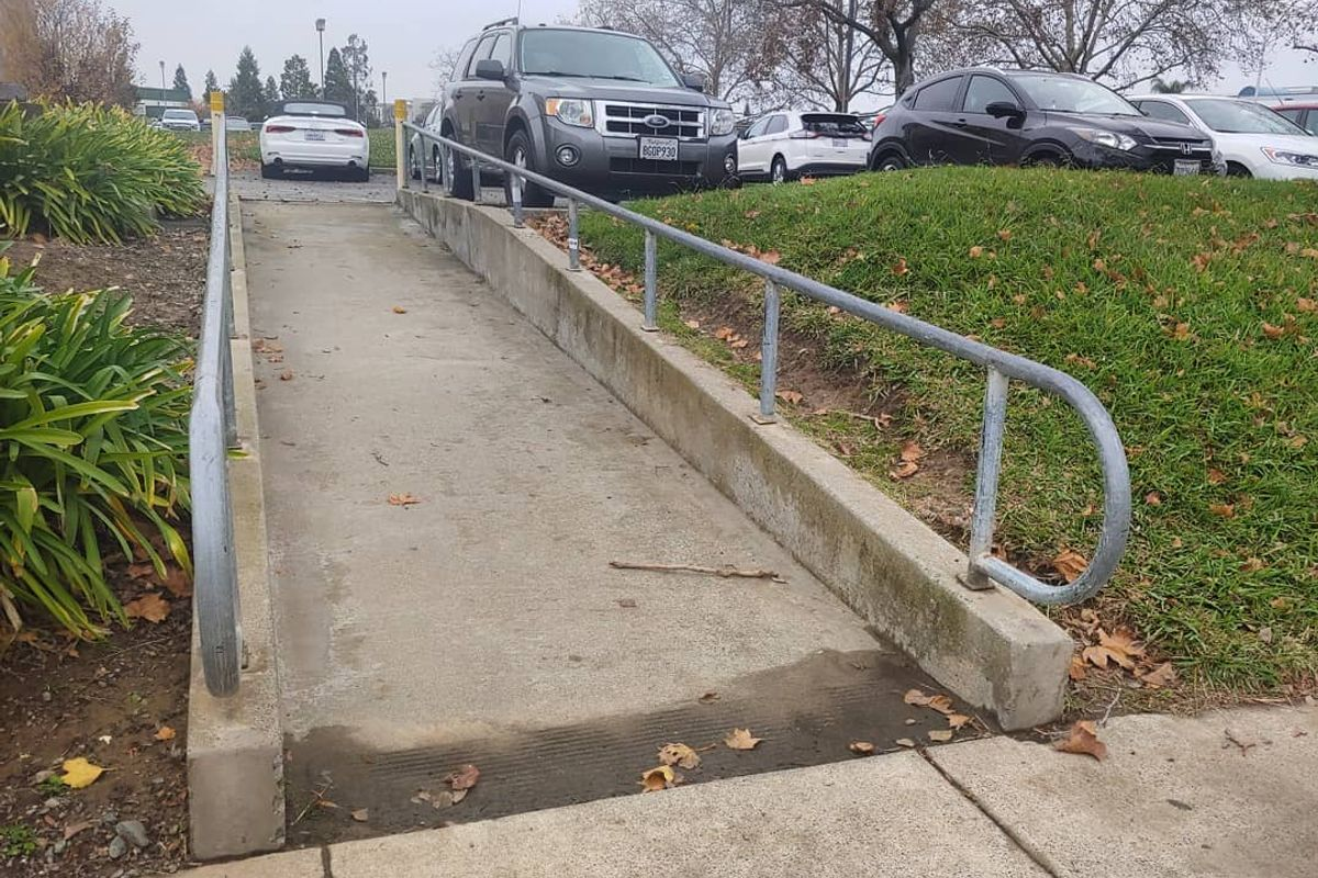Image for skate spot DMV Rail