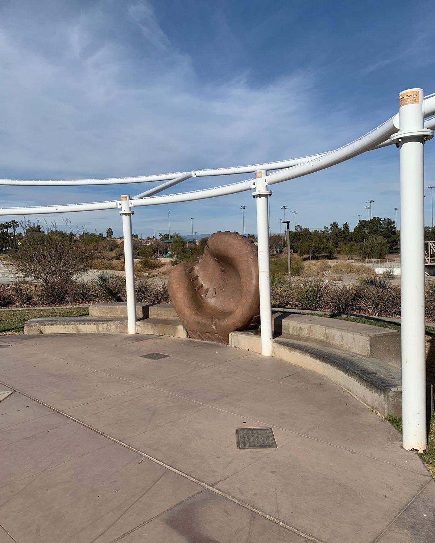 Image for skate spot Arroyo Ledges