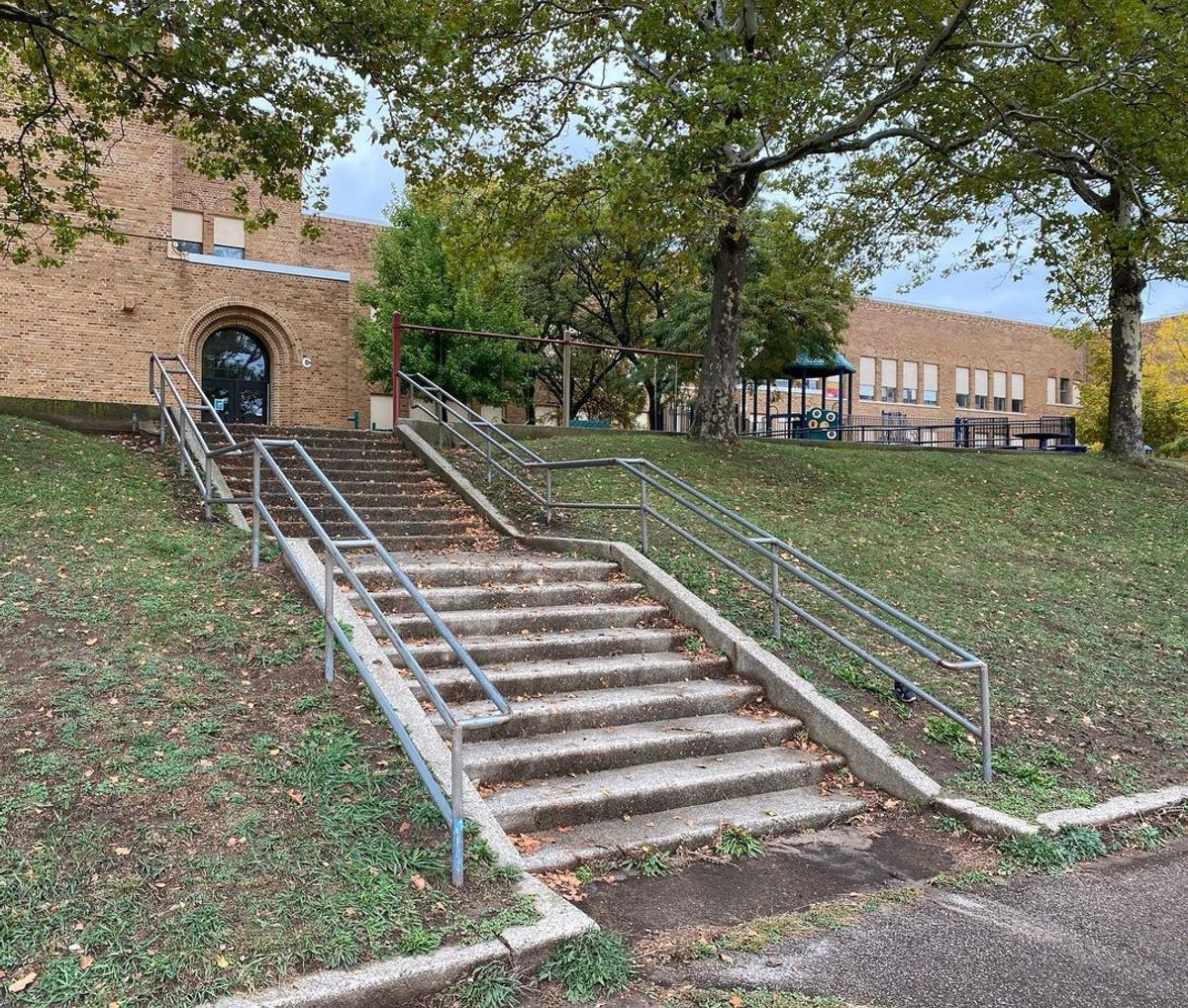 Image for skate spot Aberdeen School - Double Set Rail