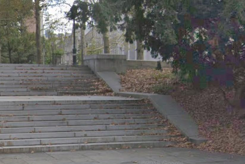 Image for skate spot Grant's Tomb Ledge To Double Bank