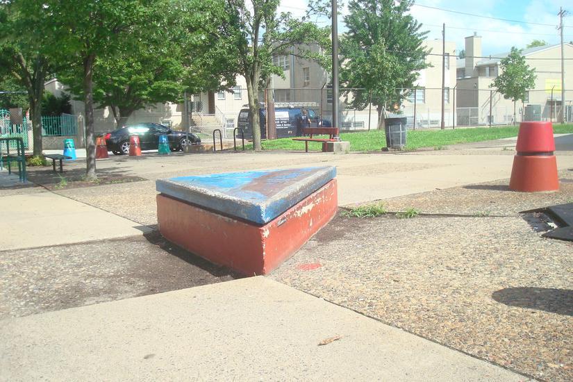 Image for skate spot Poplar Playground