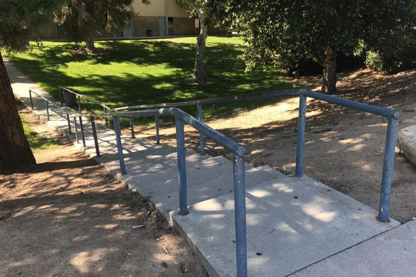 Image for skate spot Yucaipa High School Long Kink Rail