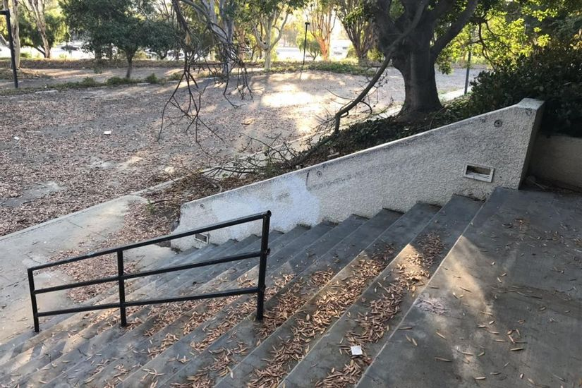 Image for skate spot Nsight 12 Stair Hubba / Rail