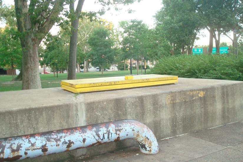 Image for skate spot Franklin Square Flat Bars