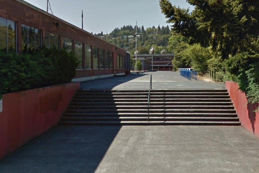 Image for skate spot Lincoln High School 10 Stair