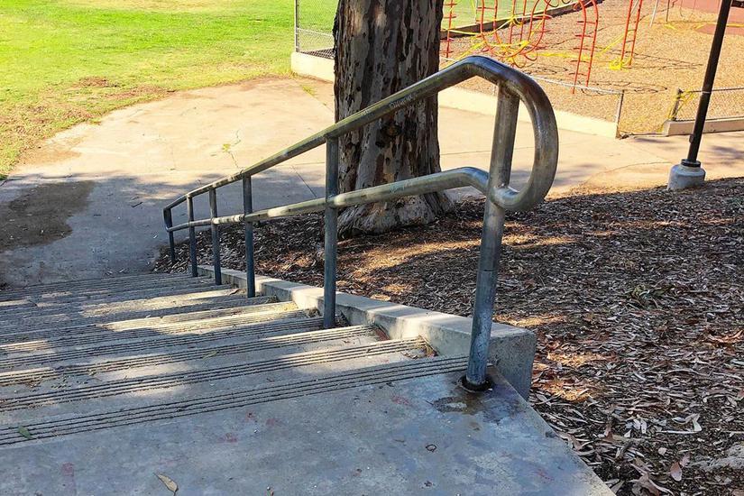 Image for skate spot Encanto 18 Stair Rail