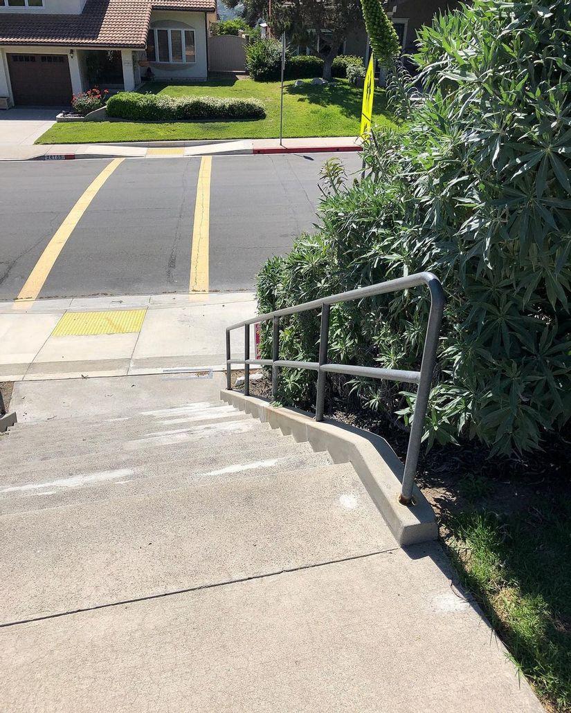 Image for skate spot Viejo Elementary School 13 Stair Rail
