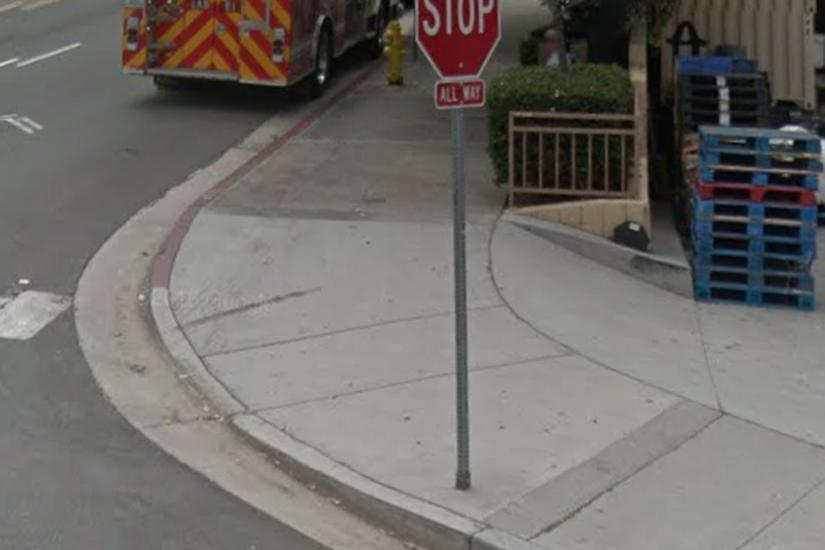 Image for skate spot Bump to street