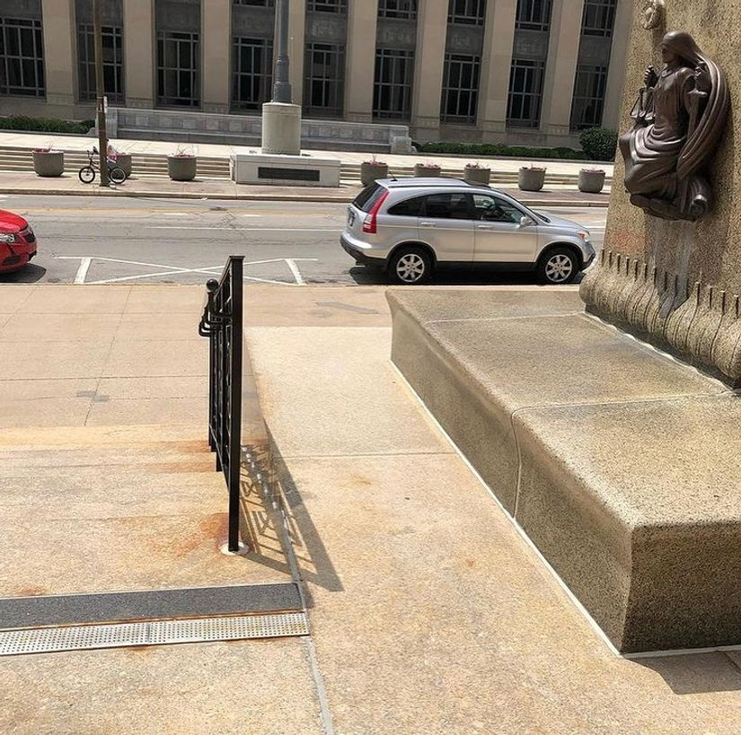 Image for skate spot Lincoln Nat'l Ledge