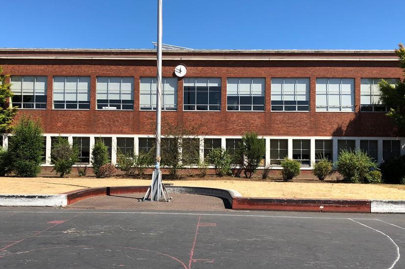 Image for skate spot Lincoln High school Ledges