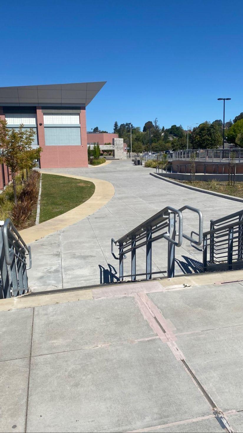 Image for skate spot De Anza High School - 10 Stair Rail