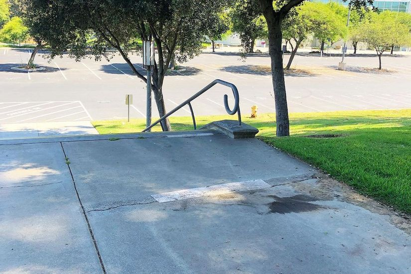 Image for skate spot UCI 18 Stair Rail