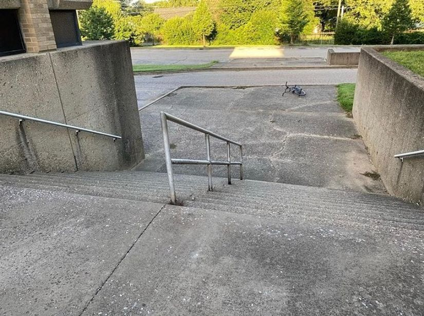 Image for skate spot Olmsted Academy North - 14 Stair Rail