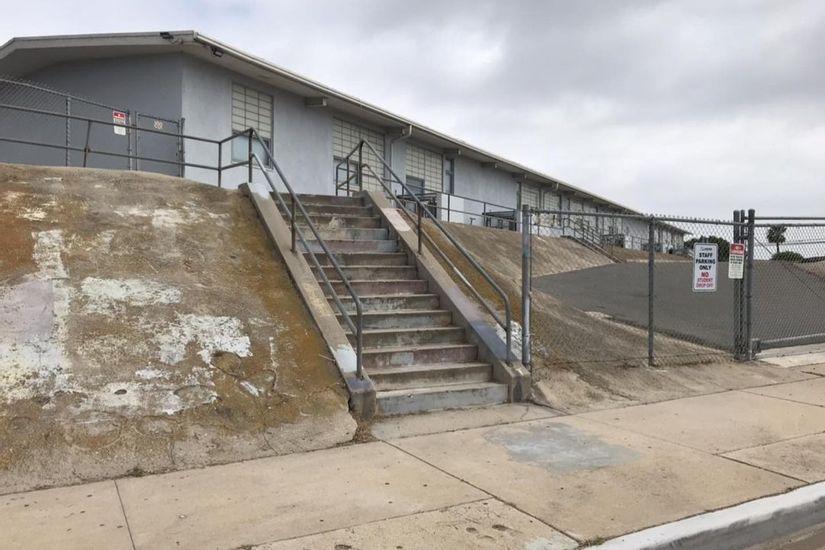 Image for skate spot Granger Junior High Launch Over Set