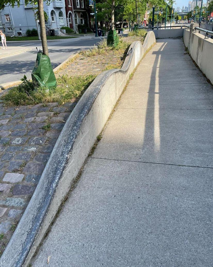 Image for skate spot Spadina Ave - Wave Ledges