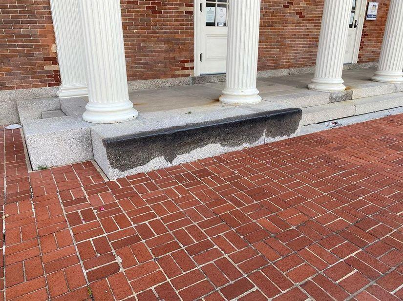 Image for skate spot United States Customhouse Ledges