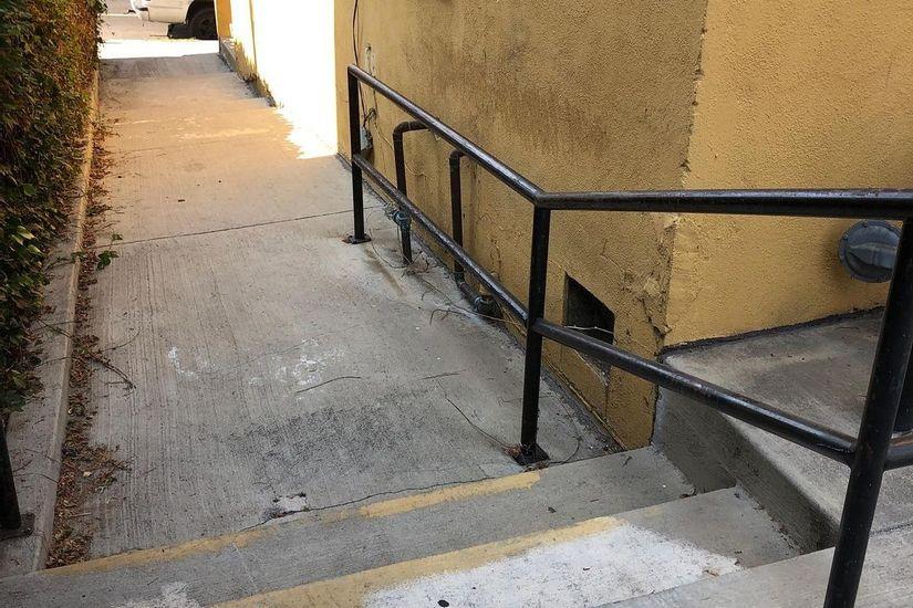 Image for skate spot Milo Terrace Baptist Church Out Rail