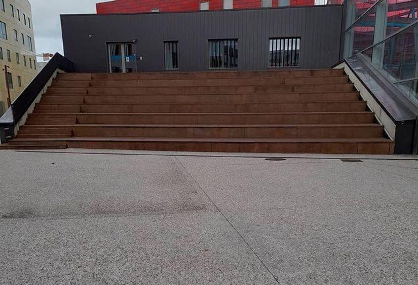 Image for skate spot place de Padoue Hubba / Ledges