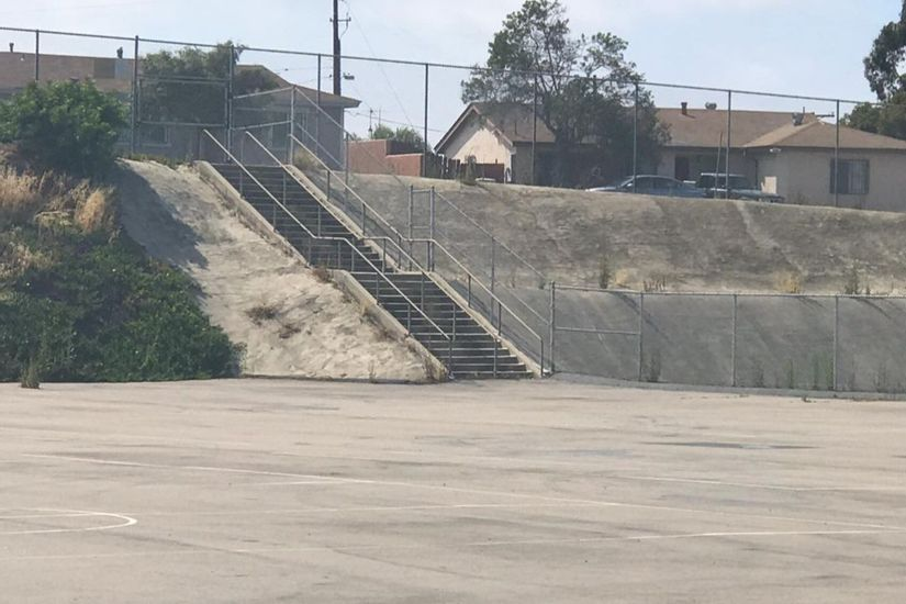 Image for skate spot Freese Elementary Over Rail Into Bank