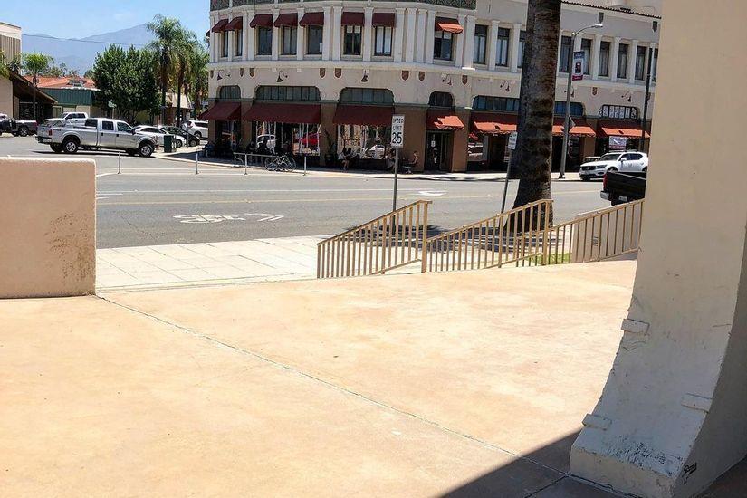 Image for skate spot First Presbyterian Church 8 Stair Rail