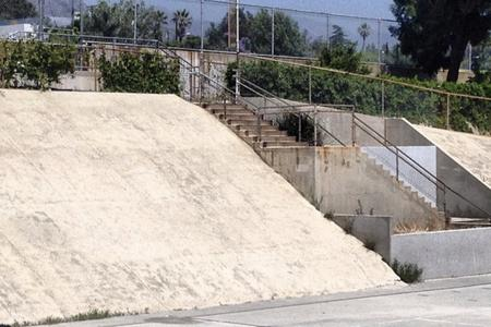 preview image for Crescenta Valley Over Rail Into Bank