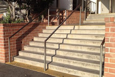 Preview image for Plasencia 8 Stair Rail