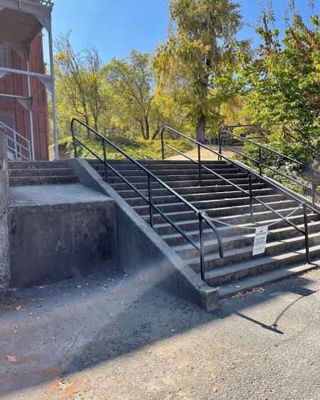 Preview image for Railroad Ave - 15 Stair Rail
