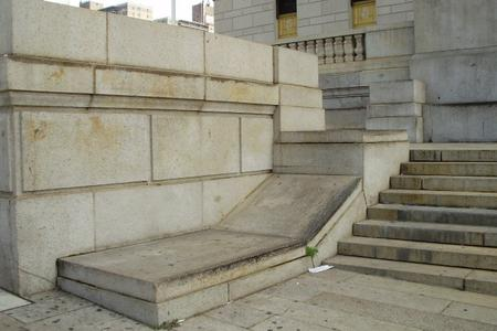 Preview image for Bronx Courthouse Ledge To Banks