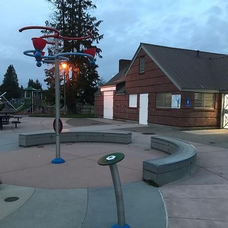 Preview image for Highland Park Playfield Curve Ledges