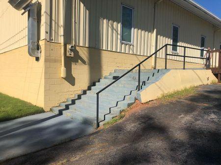 Preview image for Cruselle Freeman Church 11 Stair Rail