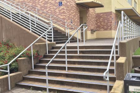 Preview image for Carlmont 8 Stair Handrail