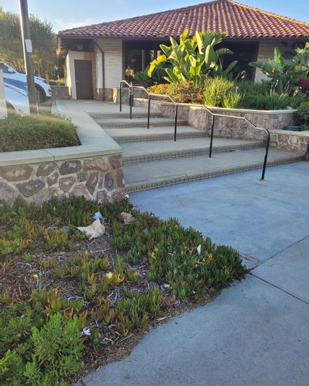 Preview image for Point Dume Village - Ledge Gap / 5 Stair Kink Rail