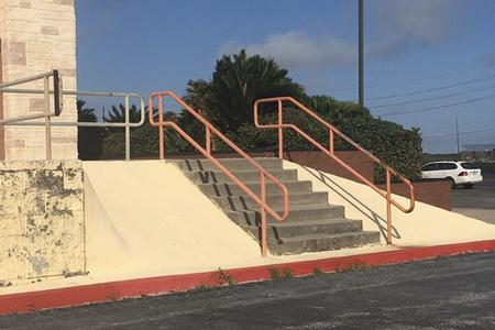 Preview image for 8 Stair Rail / Banks