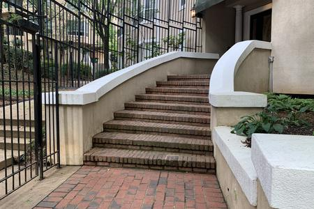 Preview image for Colonial Homes 9 Stair Hubba