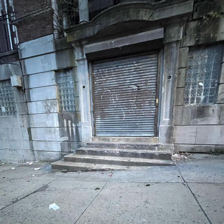 Preview image for Kinney St Ledge