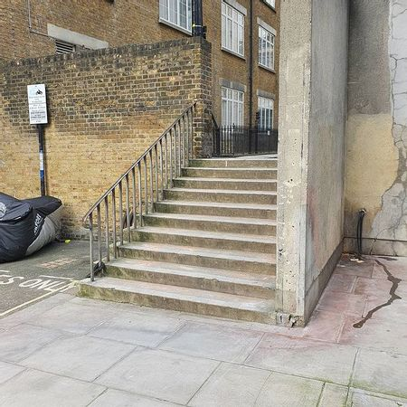 Preview image for Warwick Row 10 Stair Rail