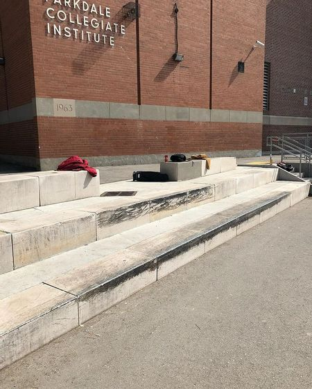 Preview image for Parkdale Collegiate Institute - Courtside Ledges