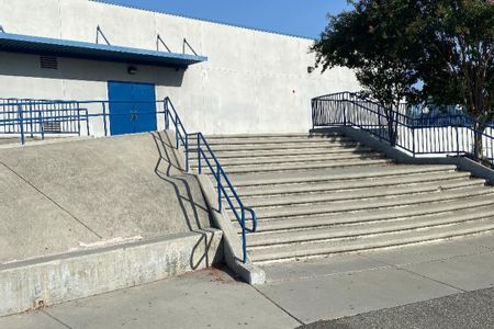 preview image for Quimby Oak Middle School Double Set Over Rail Into Bank