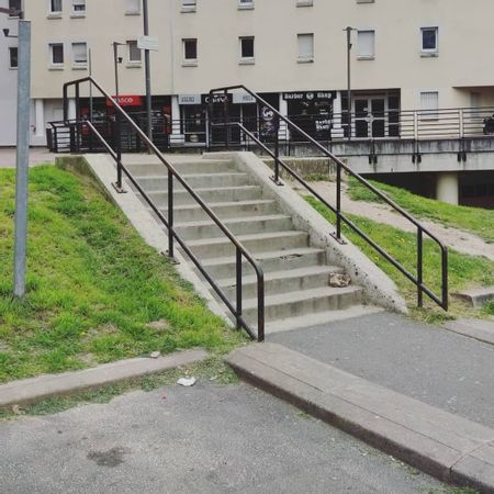 Preview image for Brasco Cergy - 9 Stair Rail
