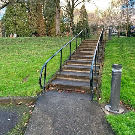 Preview image for Sequoia Pkwy Long 11 Stair Rail