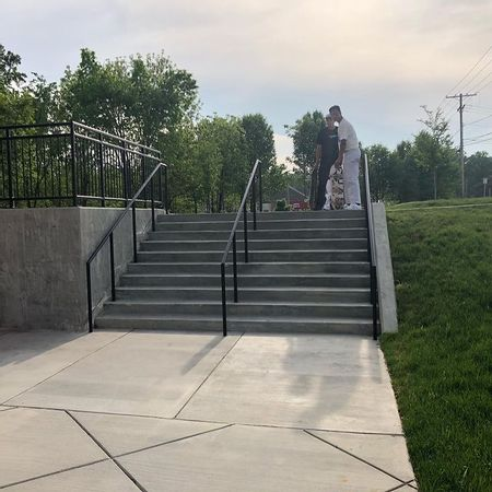 Preview image for The Quarters 10 Stair Rail