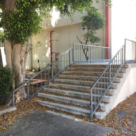 preview image for Bancroft Middle School - 9 Stair Rail