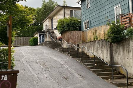 Preview image for Yamhill St Over Rail Into Bank