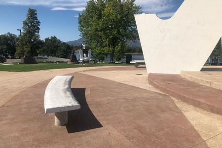 Preview image for Veterans Memorial Curve Ledges