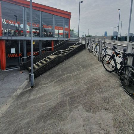Preview image for Leyton Over Rail Into Bank