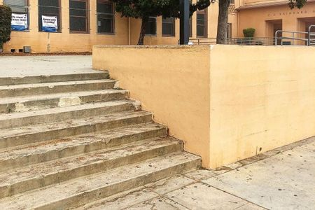 preview image for Horace Mann Middle School 8 Stair Out Ledges