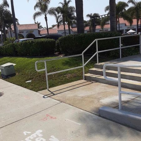 Preview image for East Avenida Pico - 3 Stair Out Rail