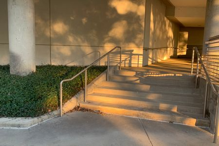 Preview image for Georgia World Congress Center 6 Stair Kink Rail