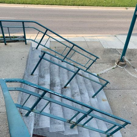 Preview image for Taylor Ave - 9 Stair Rail / Bank